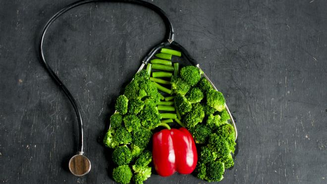Οι 5 τροφές που αποτοξινώνουν και θεραπεύουν τους πνεύμονες