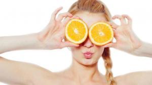 Μάσκα προσώπου με πορτοκάλι
