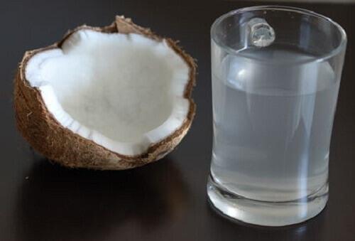 Read more about the article Οι ωφέλειες του νερού καρύδας. Μάθετε περισσότερα