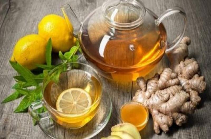 Τζίντζερ, μέλι και λεμόνι κατά του βήχα