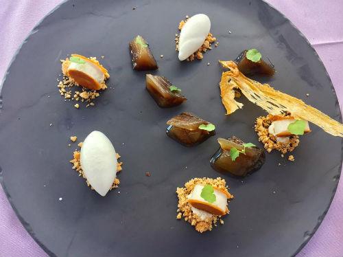 Λευκή μελιτζάνα φτιαγμένη σαν γλυκό του κουταλιού με μπαχαρικά (του σεφ Παύλου Κυριάκη)