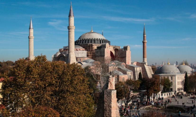 Σαν σήμερα το 532 μ.Χ. θεμελιώθηκε ο ναός της Αγίας Σοφίας