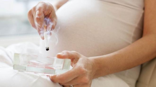 Εγκυμοσύνη: Ο σοβαρός κίνδυνος για το βρέφος ακόμη κι από το κάπνισμα ενός τσιγάρου