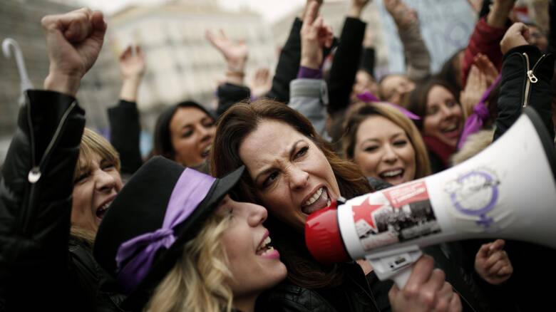 Read more about the article Φεμινιστική απεργία για πρώτη φορά στην Ελλάδα: Δείτε ποια μέρα δεν θα δουλέψουν οι γυναίκες