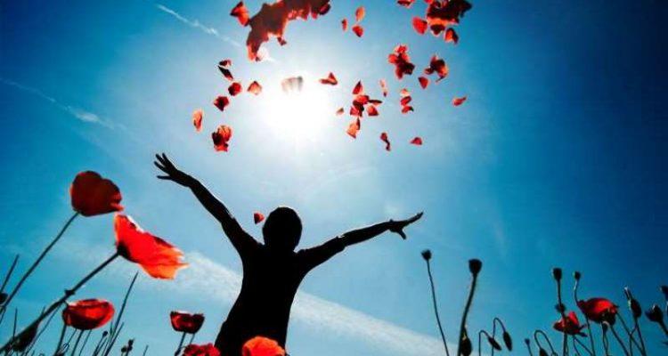 """""""Αισιοδοξία είσαι εσύ που προσπαθείς να είσαι ελεύθερος κι ας νικιέσαι στο τέλος"""""""