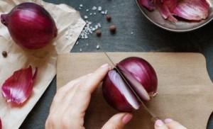 Τα απίστευτα οφέλη που έχει το κρεμμύδι στην υγεία μας