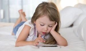 Ιατρικός Σύλλογος Αθηνών: Όχι κινητά τηλέφωνα σε παιδιά κάτω των 12 ετών
