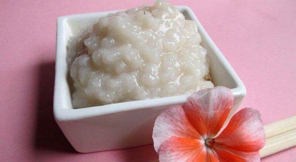2 τρόποι καθαρισμού του δέρματος με ρύζι!