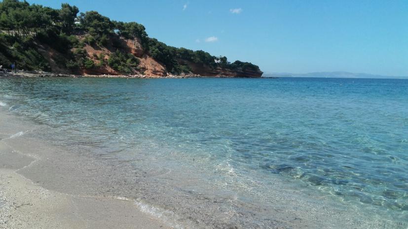 Προσοχή: Οι ακατάλληλες παραλίες για κολύμπι εκτός Αττικής