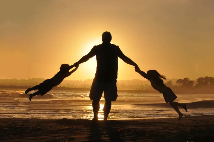 Read more about the article Γιορτή του Πατέρα: Τα πιο όμορφα αποφθέγματα για τον πρώτο άνδρα της ζωής μας!