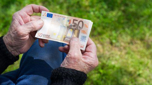 Ποιοί συνταξιούχοι μπορούν να δουλεύουν χωρίς περικοπές στη σύνταξη