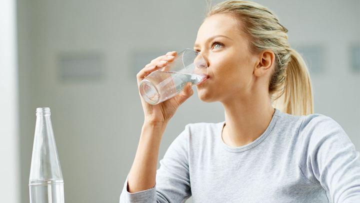 Γιατί ειναι καλύτερα να πίνουμε παγωμένο νερό;