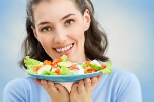 Αυτές είναι οι τροφές που θα σας βοηθήσουν να κάψετε το λίπος στην κοιλιά