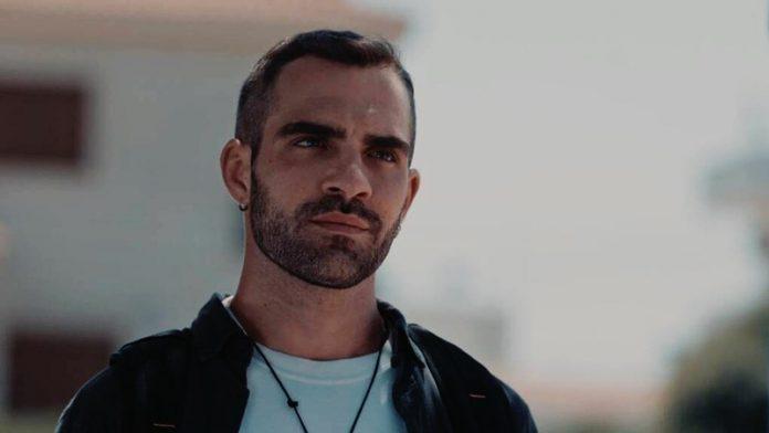 8 ΛΕΞΕΙΣ – Εξελίξεις: Ο Φοίβος Συλλαμβάνεται! Ο Μιλτιάδης τον καταδίδει στην Αστυνομία