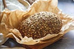 Read more about the article Δύο συνταγές για ψωμί με λίγους υδατάνθρακες