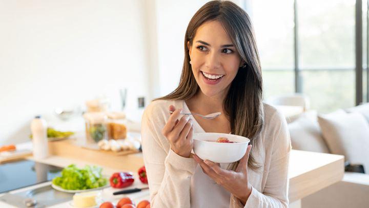 Τροφές με λιγότερες από 100 θερμίδες για να παραμείνετε σε φόρμα σε καραντίνα