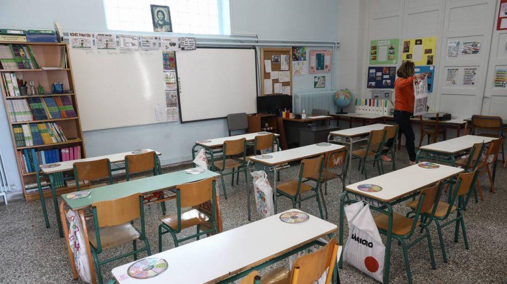 Κορωνοϊός: Κλείνουν από τη Δευτέρα τα δημοτικά και τα νηπιαγωγεία – Ανακοινώσεις από Κεραμέως