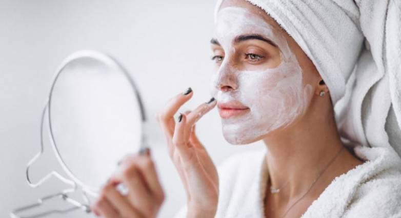 «Πώς θα φτιάξω μάσκα προσώπου στο σπίτι»