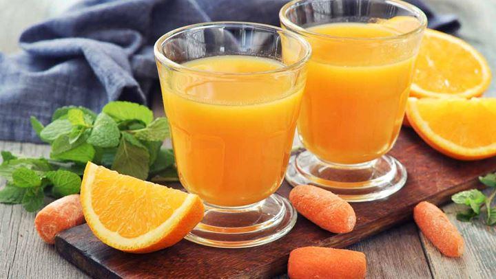 Detox smoothie με πορτοκάλι και καρότο
