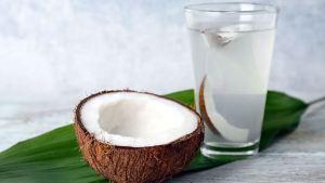 Read more about the article Γιατί πρέπει να εντάξετε το νερό καρύδας στη διατροφή σας