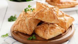 Read more about the article Πατατοπιτάκια φούρνου που θα λατρέψουν μικροί και μεγάλοι