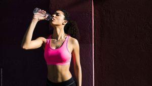 Read more about the article Όταν πίνουμε κρύο νερό καίμε περισσότερες θερμίδες;