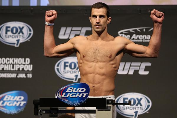 Luke Rockhold's hilarious depiction of UFC middleweight title race
