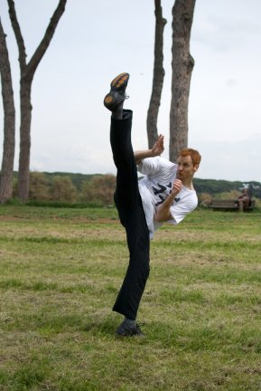 filippo_high_kick