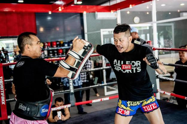 Yodsanklai Fairtex open workout in Bangkok