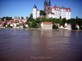 hochwasser-meissen-elbe-flut-blick-vom-toma-balkon-05-06-2013 (3)