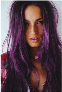 Farbanje kose  u ljubičasto