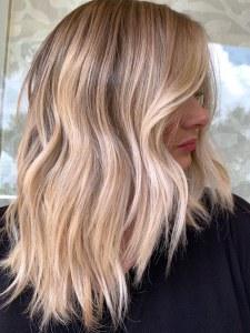 Šta mi je potrebno da uspešno posvetlim kosu-bilo da želim pramenove ,balayage,blajhanje  ....