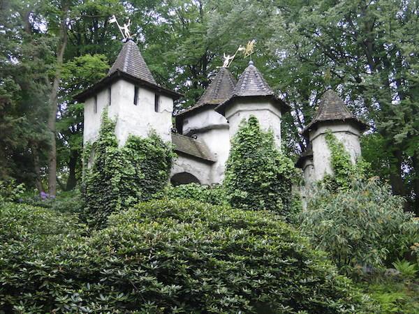 Doornroosje kasteel bij De Efteling in Kaatsheuvel  Fijnuitnl
