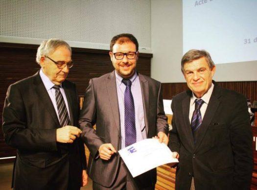 Col·legi d'Economistes: Rebent el reconeixement com a col·legiat de la mà del Degà del Col·legi d'Economistes de Catalunya. Gener 2017.