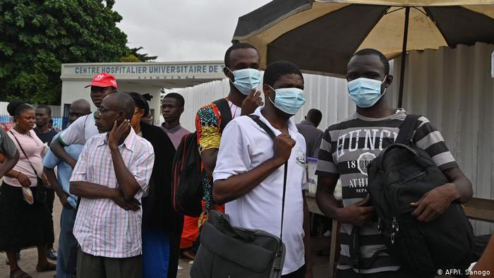 Afrika genelinde virüs bulaşan kişi sayısı son 24 saatte 13 bin 620 oldu