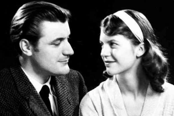 La escritora británica Sylvia Plath y su marido.
