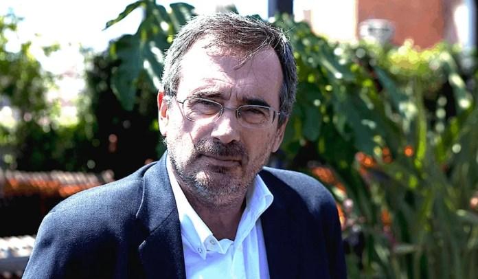 Manuel Cruz es catedrático de Filosofía Contemporánea en la Universidad de Barcelona y actualmente diputado yportavoz del PSOE en la Comisión de Educación y Deporte.