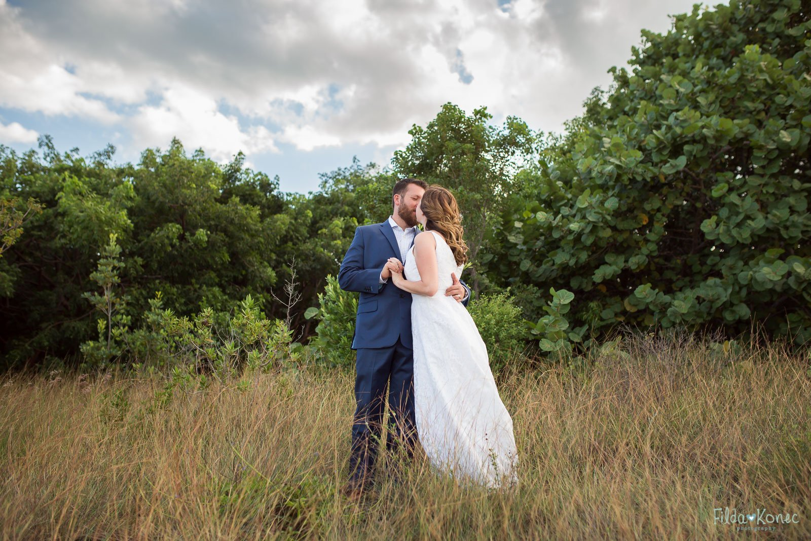 wedding photo at fort zachary taylor park
