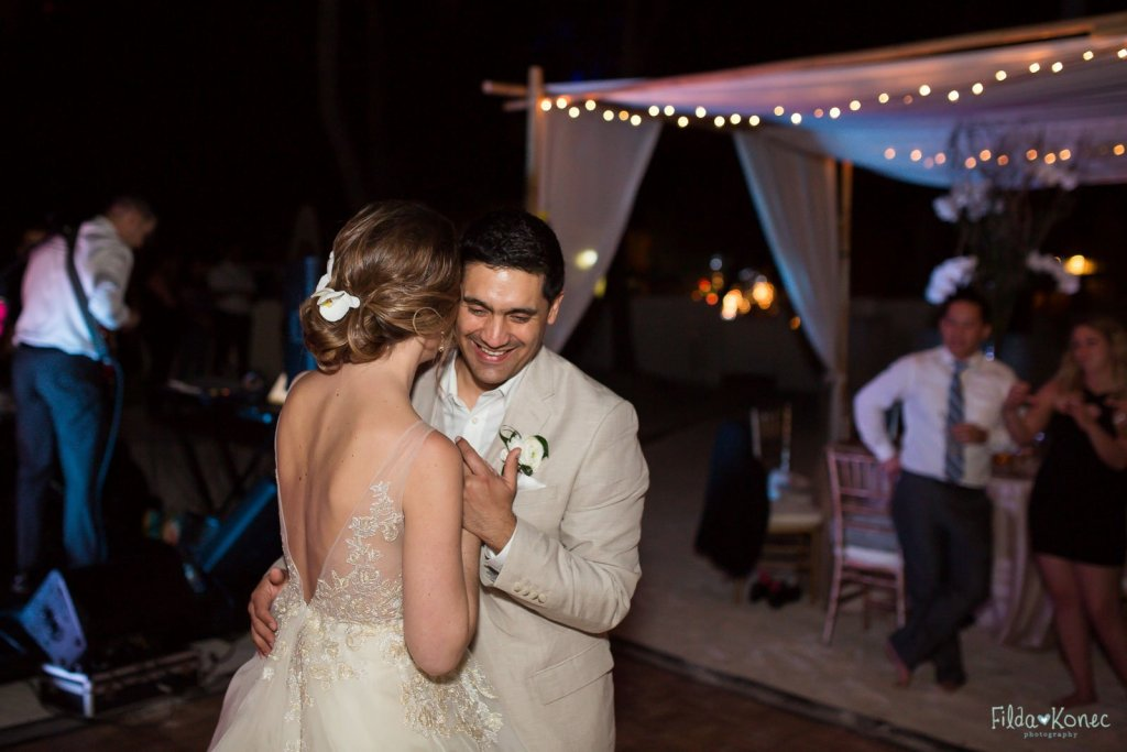 first dance at husband and wife