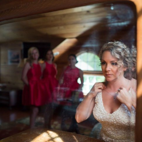 bride getting ready at old town manor william skelton house