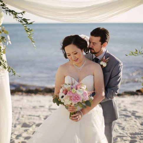 bridal photo with atlantic ocean in key west florida