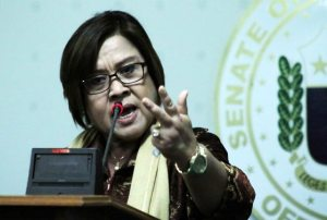 'Arrest me!' De Lima nearly breaks down