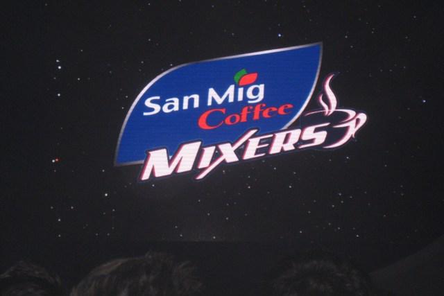 San Mig Coffee routs Air21, advances to finals vs Talk 'N Text