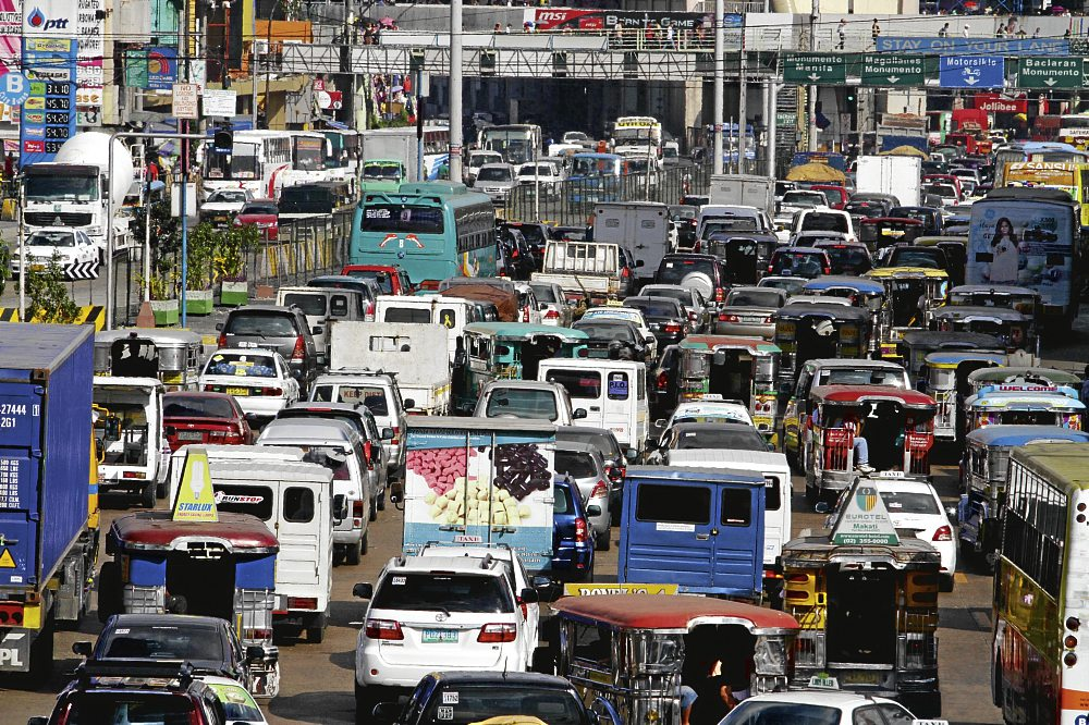 WHAT CAUSES THE EXTREME TRAFFIC JAMS IN METRO MANILA?