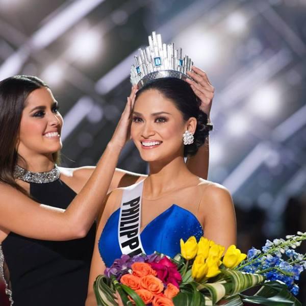 President Aquino congratulates Pia Wurtzbach for winning Miss Universe 2015