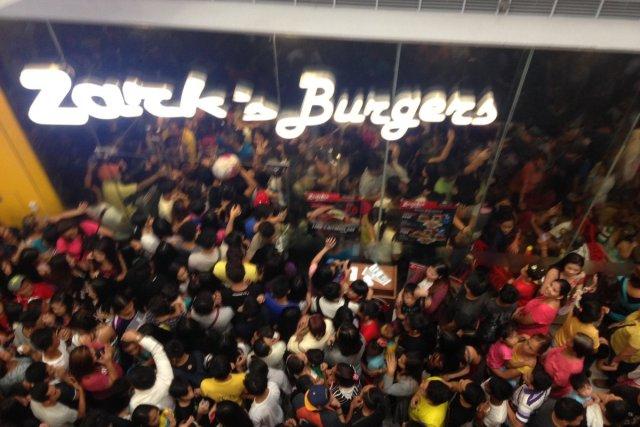 Zark's offers burgers for P8, triggers pandemonium