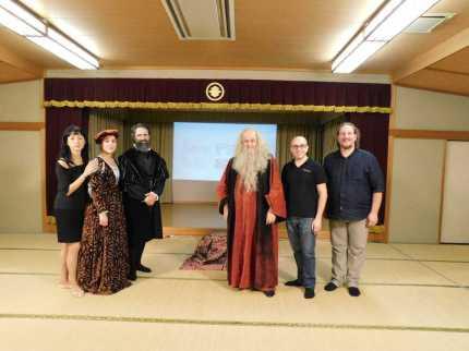 Foto di gruppo dopo lo spettacolo di Nara
