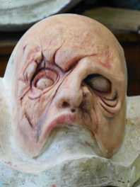 Maschera in lattice schiumato colorata a mano Zombie Cicatricum art. MXLS021