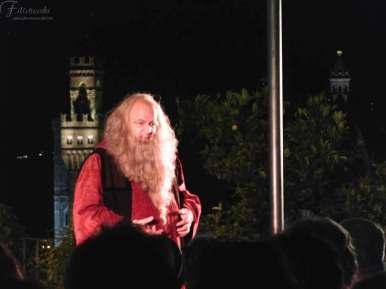 Fabio Baronti nei panni di Leonardo da Vinci durante la replica a Villa Bardini
