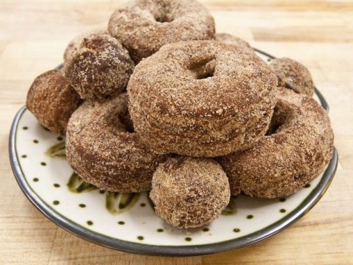 Today,Celebrate, National Doughnut Day 2018 June 1, Where to find free Doughtnut Deals, Receipe, more about